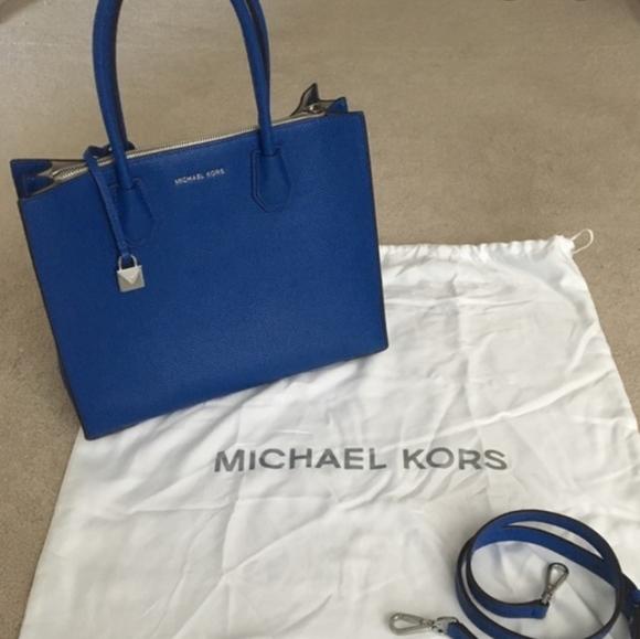Michael Kors Handbags - Michael Kors Blue Large Mercer Crossbody Purse